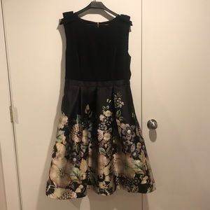 Ted Baker sleeveless dress size 5 or 12 in USA.